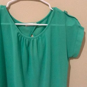 a'gaci Tops - Green A'gaci top